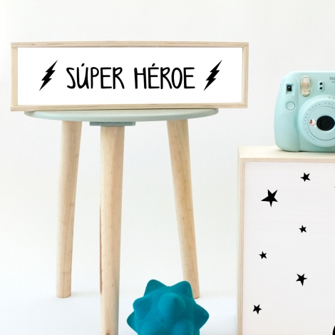 Caja de luz 'Súper Héroe'. Lámpara de madera 'Súper Héroe' hecha a mano