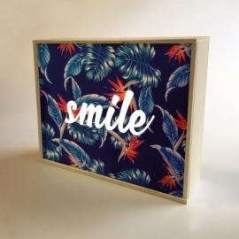 Caja de luz 'Smile'. Lámpara de madera 'Smile'